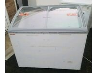 """""""CHEAP AS CHIPS"""" COMMERCIAL GLASS TOP FREEZER. SERVICED READY FOR USE £99.95 BE QUICK!!!"""