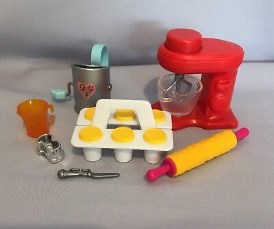 Barbie Cupcake  Muffins Baking Set Doll House Accessory Pack Mixer Pin Cup