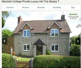 XMAS Holiday 4 Nights in a lovely Cottage with Hot Tub in Statford Upon Avon