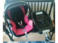 Maxi Cosi Cabriofix car seat with Isofix Easy Fit base