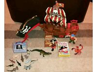 ***Pirate toys and hat
