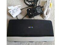 BT HOME HUB 4 boadband/Wi-Fi router/modem/wireless