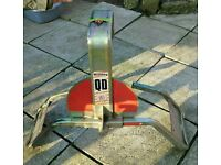 Bulldog security wheel clamp