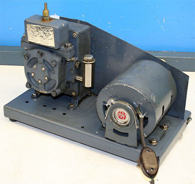 Welch 1400 Duo-seal Two-stage Vacuum Pump
