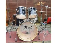 Pearl Session Series drum kit with hardware in Piano black
