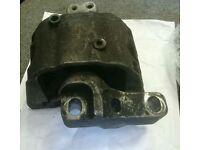 VW ENGINE / GEARBOX MOUNT - 1J0 199 262 BF
