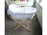 Moses basket with stand neutral boy or girl