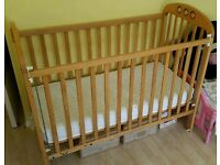 Baby cot with mattress & 2x cot sheets.