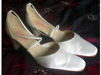 Ivory Satin Wedding Court Shoes From Rainbow Club. Size 5. 1 1/2 inch Block Heel With Elastic Straps