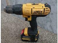 Dewalt 18v xr combi drill +4ah battery