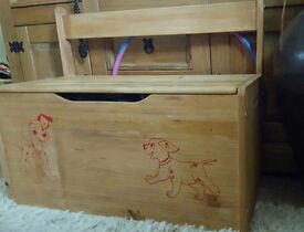 Children's pine storage trunk and seat