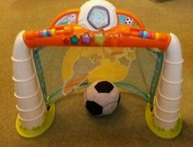 Chicco football goal
