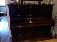 Free upright piano- Adalbert berlin