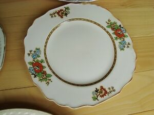 Assortment of 5 Decorative Fine China Plates -Some are quite old Kitchener / Waterloo Kitchener Area image 4