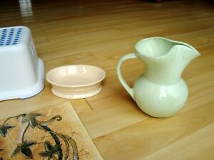 A variety of 6 Household items-Art,Bottles, Kitchener / Waterloo Kitchener Area image 5