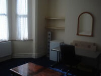 rooms to rent ideal for students or professional city center location