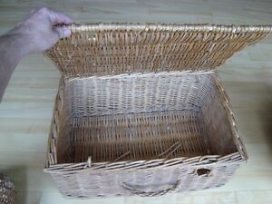 Large Wicker Box with Lid - ONLY $9.00 Kitchener / Waterloo Kitchener Area image 1