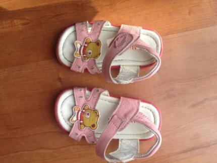 pink girl summer shoes