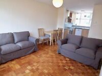Clapham Junction 4 double bed, 2 bathroom flat, 5 mins from station, Available early August 2017