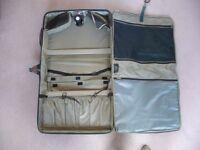 Lightweight Samsonite Suitcase with matching Samsonite Holdall