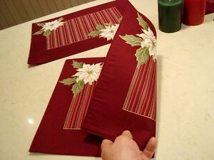 Christmas Set of 4 Dual Sided Cotton Placemats and 2 Candles Kitchener / Waterloo Kitchener Area image 5