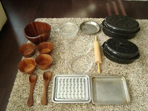 Lot of 14 Pcs. -Roast Pans,Pyrex Casserole, Salad Bowl Set &more Kitchener / Waterloo Kitchener Area image 1