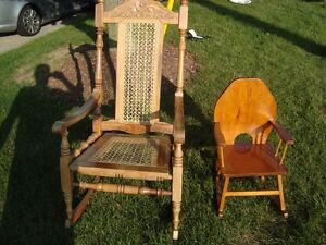 Custom Made Child or Doll Solid Wood Rocking Chair - Great Shape Kitchener / Waterloo Kitchener Area image 8