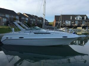 Beautiful Peterborough Dynasty 35 ft Boat, price to sell!