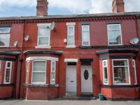Beautiful 4 bedroomed & 1 bathroom, mid-terraced house. Close to Salford Shopping Centre & Tesco.