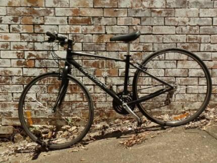 Giant Cross City Road Bike/Hybrid