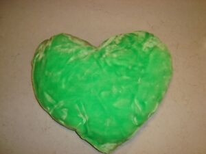 """Green Plush 12"""" x 6"""" Heart Pillow - Lovely condition. Kitchener / Waterloo Kitchener Area image 1"""