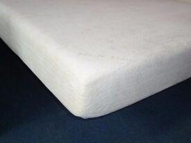 NEW UNUSED 4ft6 double size 'luxury' memory foam mattress,visco elastic matress.