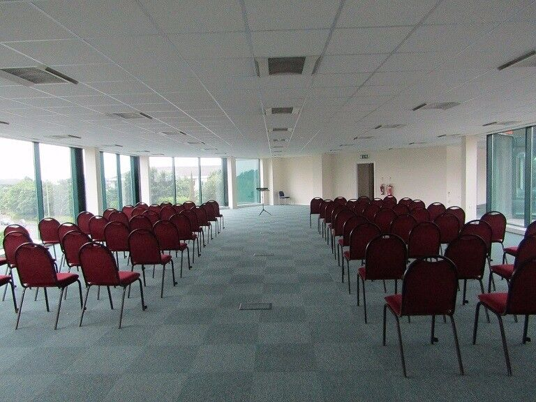 Large Multi Function Space to let in Bracknell with parking