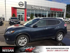 2015 Nissan Rogue AWD 4dr SV one owner dealer maintained trade.