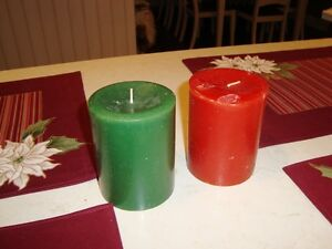 Christmas Set of 4 Dual Sided Cotton Placemats and 2 Candles Kitchener / Waterloo Kitchener Area image 2