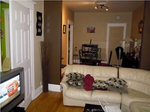 Near metro 51/2 for rent available 1 June or July Flexible