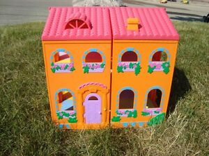 Dora Magically Welcome Multipositional Dollhouse -Works Kitchener / Waterloo Kitchener Area image 2