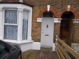 4 BEDROOM HOUSE WITH GARDEN - ENFIELD