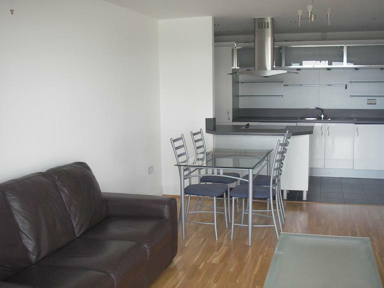Great One Bed In Contemporary Oyster Wharf Battersea With River View