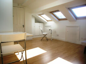 Large bright, newly refurbished studio flat in Shepherds Bush