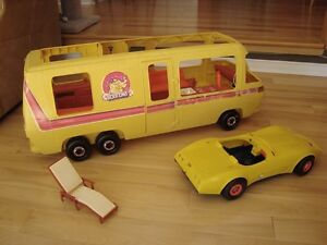 Vintage Barbie 1979 Supervette Yellow Corvette -For Parts/repair Kitchener / Waterloo Kitchener Area image 3