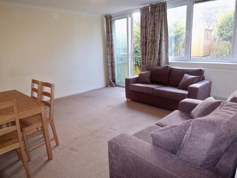 Putney - Fantastic 4 Double Bedroom Maisonette with Private Garden - No Tenants Fees