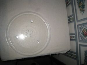 "Small 10.5"" Microwave Glass Turntable Plate / Tray, like new"