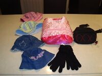 4 Sun Hats, Gloves, Fanny Pack & Russ Berrie Large Purse All $13