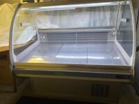 REFRIGERATED CATERING DISPLAY /COUNTER