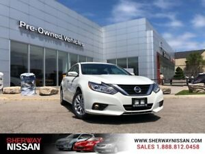 2017 Nissan Altima 2.5, only 98kms.Priced to sell!