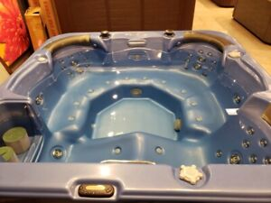 Fully Refurbished Hot Tubs with Warranty and Delivery Included