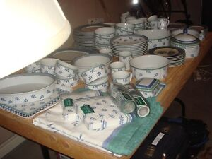 Villeroy and Boch Switch 3 Huge  Dish Set