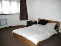 LARGE2 BED FLAT IN NEWBURY PARK, (HORNS RD AREA). FULLY FURNISHED AND JUST REFURBISHED, £1250PCM