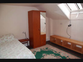 Single room tolet for lodger in Dalkeith town centre (no bills)